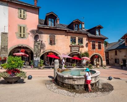 La Place du Trophée à Alby-sur-Chéran